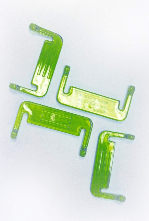 Set of 4 Snaplock latched